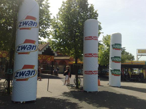 Location Grandes colonnes gonflables - Piliers géants pour événements - PLV et éclairage possible